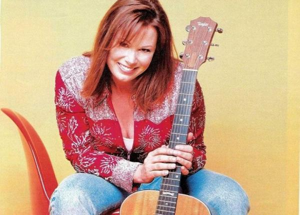 Suzy Bogguss presented by BootDaddy Concerts