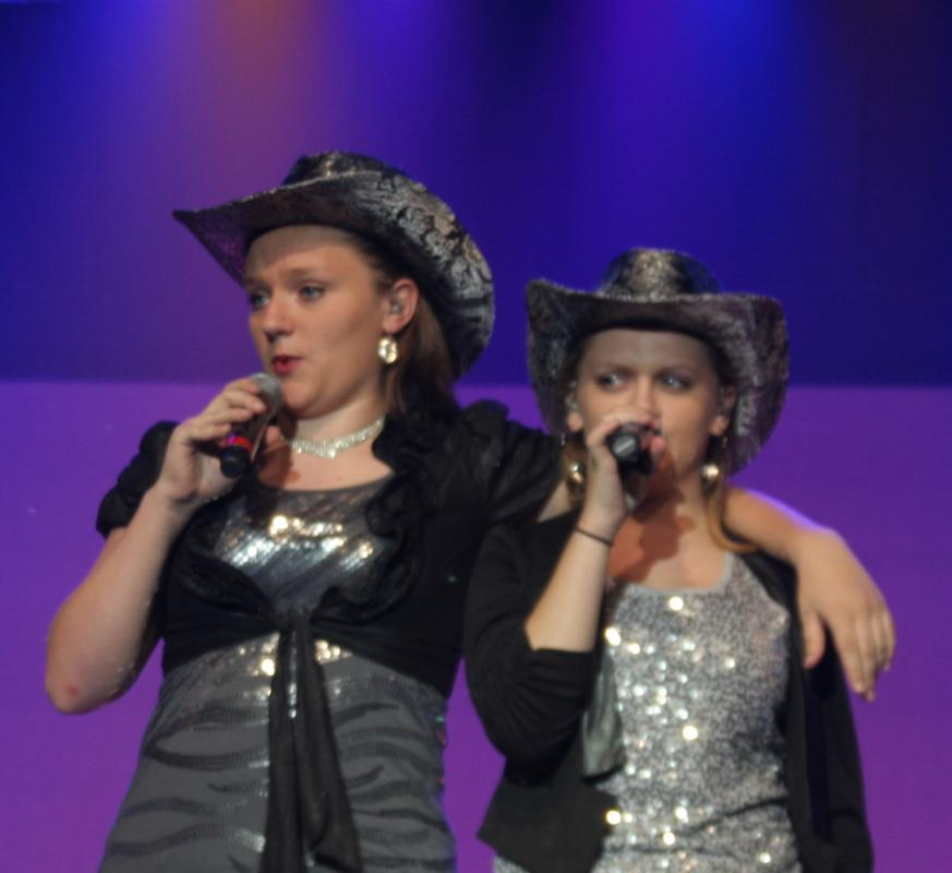 Jessica and Rachel sing Cowboy's Sweetheart