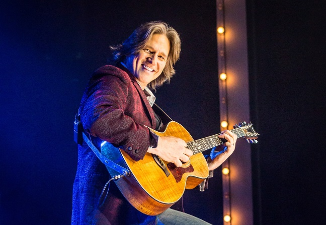 Grammy Award Winning Singer / Songwriter Billy Dean