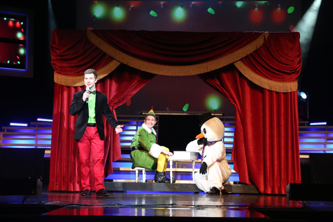 Garon, Brydon and Frosty doing a medley of Christmas Carols in The Bretts Song of Christmas Show (Nov-Dec)